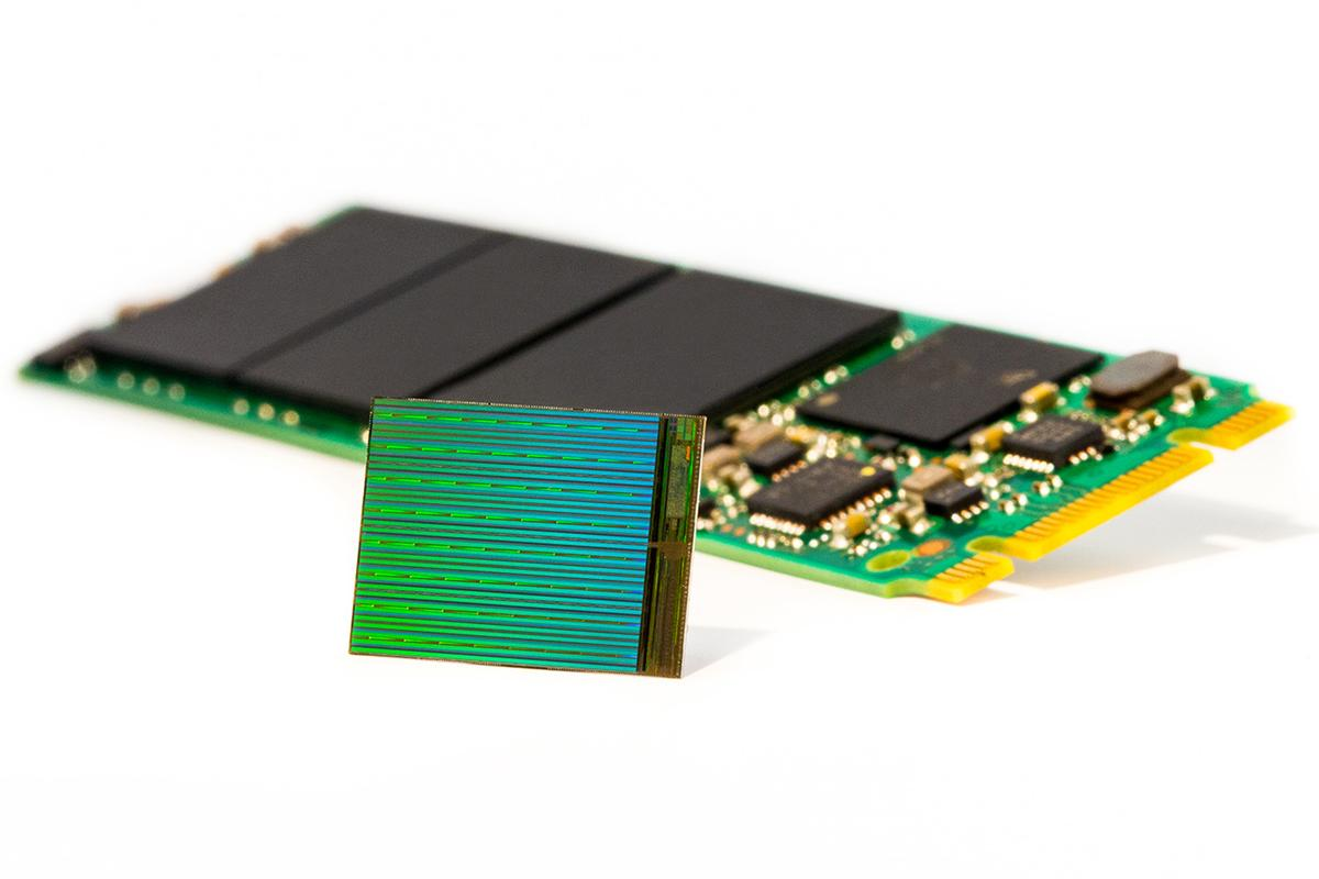 A new two- and three-bits-per-cell technology from Intel and Micron allows for 3.5 TB flash thumb drives and 10 TB SSDs (Image: Intel)
