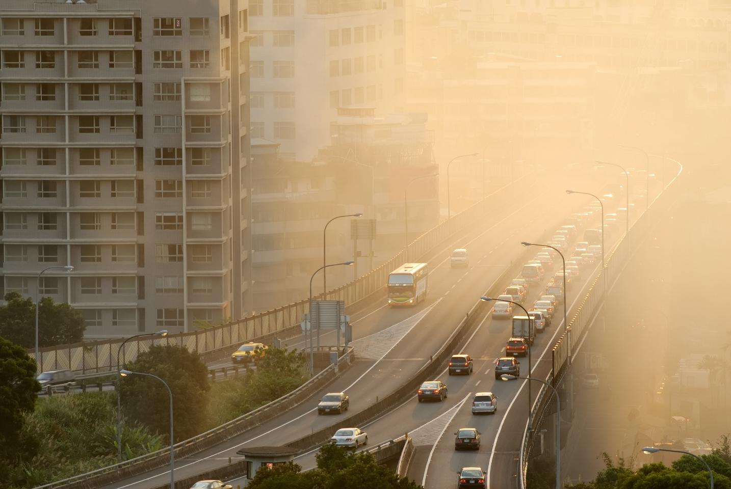 Without offering a causal conclusion, a new study suggests a strong observational association between air pollution and adolescent psychotic experiences