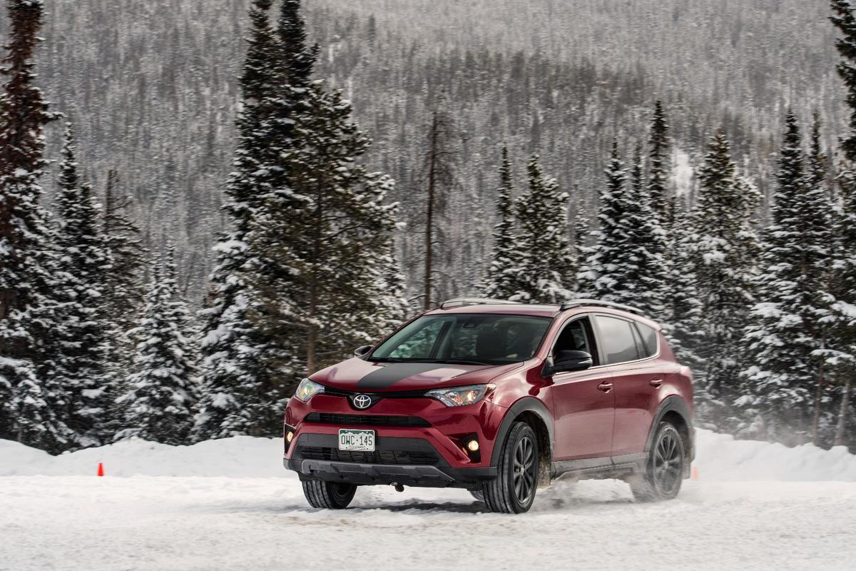 The Adventure adds about half an inch to the RAV4's ride height, making it 6.5 inches (16.51 cm) above ground