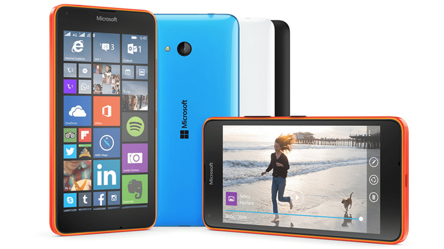 The Lumia 640 is the smaller of the two devices with a 5-inch 1,280 x 720 display, giving it 294 pixels per inch (PPI)