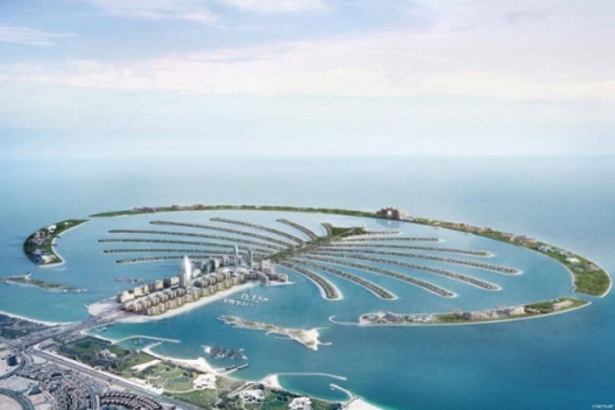 Palm Jumeirah's spectacular centerpiece