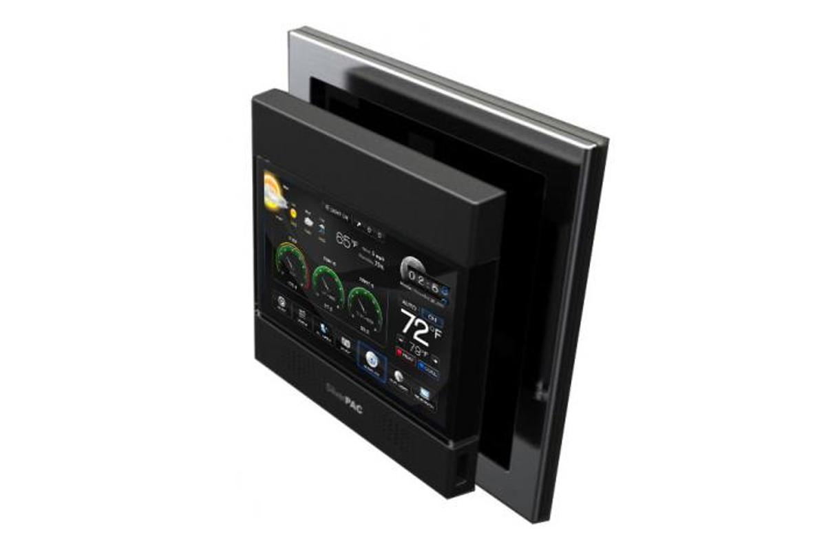The SilverPAC SilverSTAT 7 features HVAC control plus WiFi, ZigBee, and Z-Wave inetrfaces