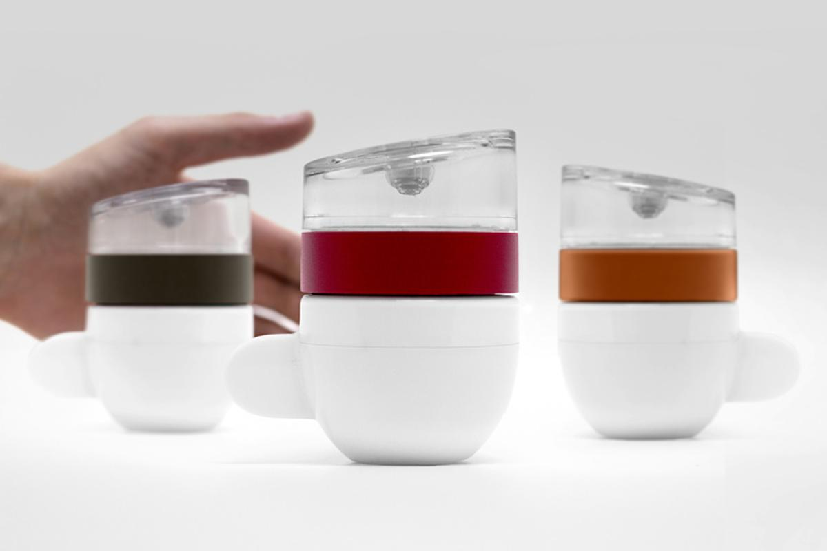 The Piamo single-serve espresso maker for microwaves