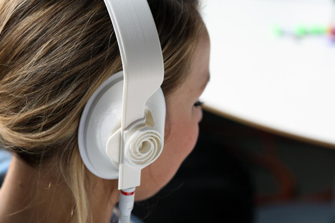 Designer John Mabry recently used a 3D printer to build a functional pair of headphones that can be assembled straight out of the machine