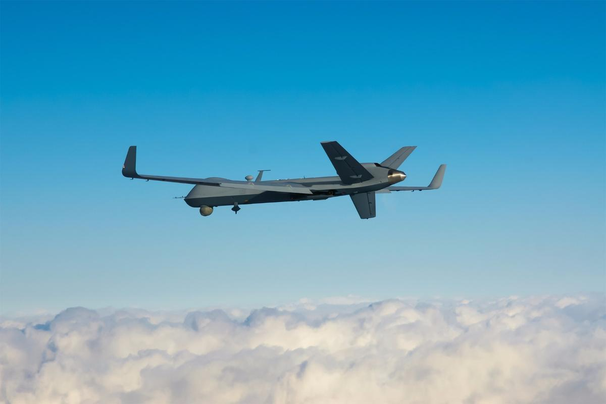 MQ-9 Reaper Big Wing sets Predator flight endurance record