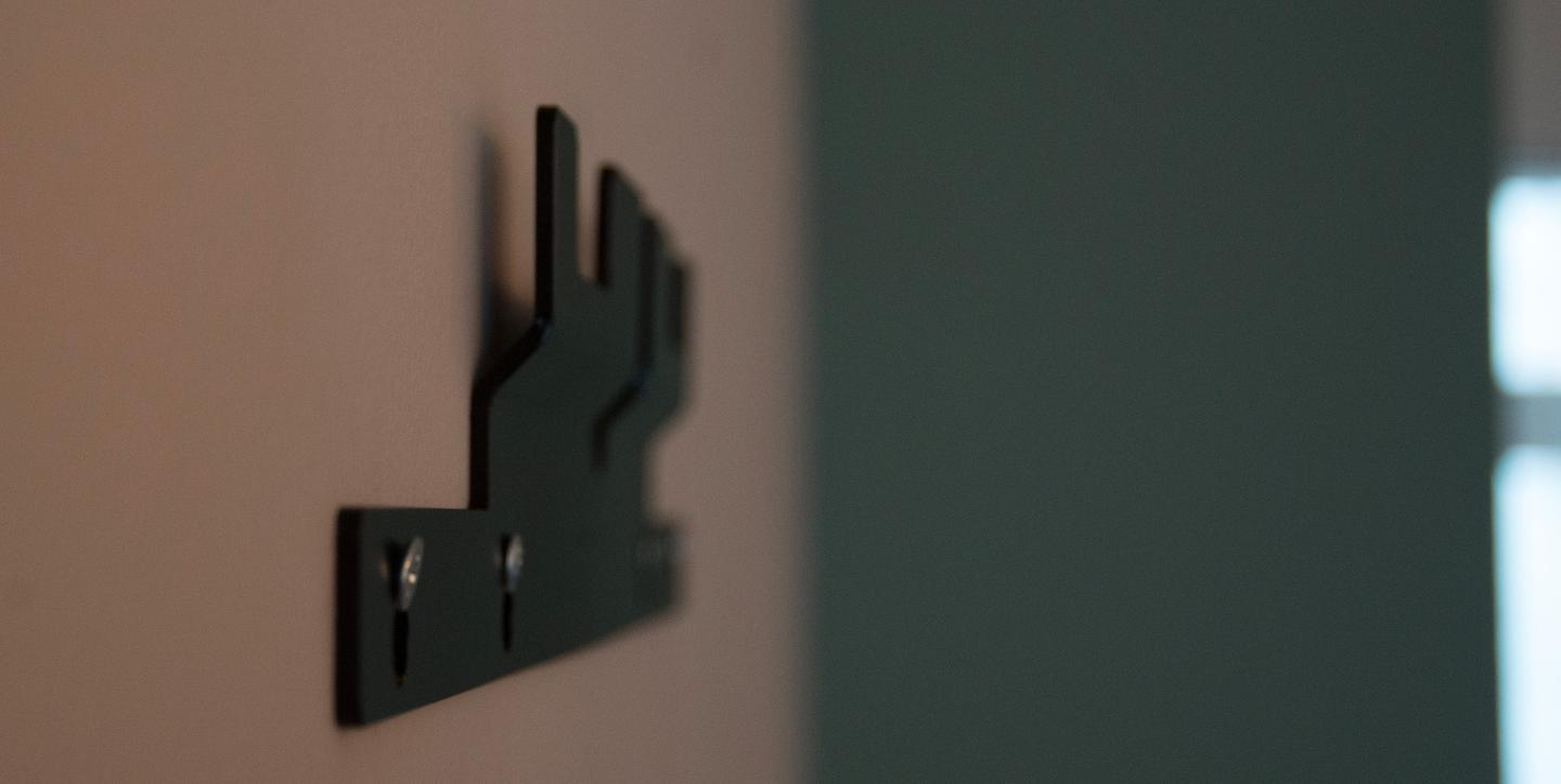 The metal wall bracket for the Memento Smart Frame