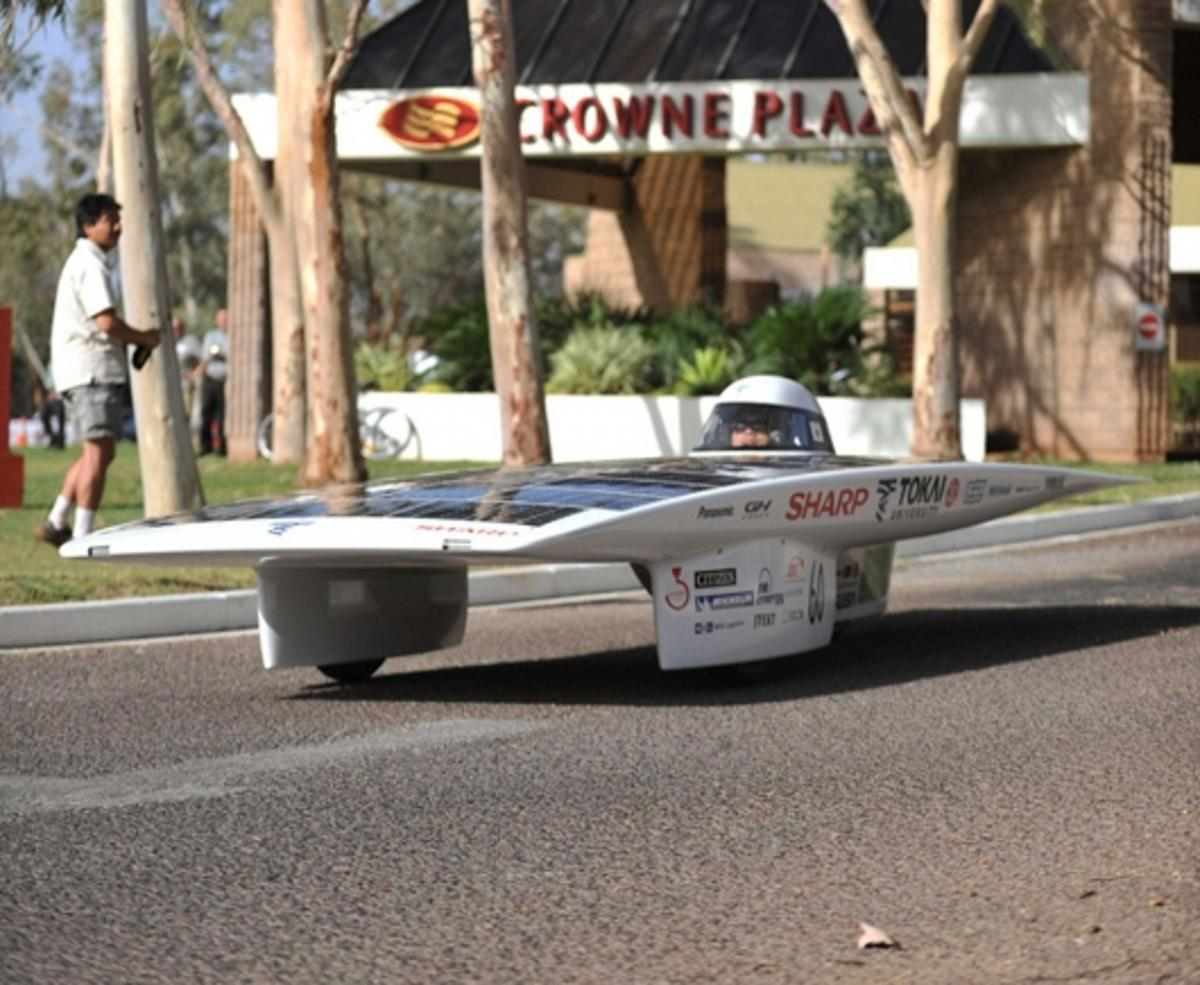 Japan's Tokai Challenger solar vehicle has taken victory in the Global Green Challenge