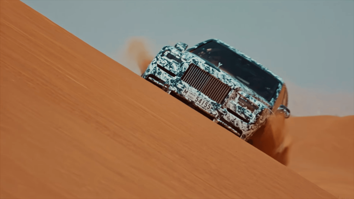 Rolls Royce'sProject Cullinan going for a fang in the sand dunes
