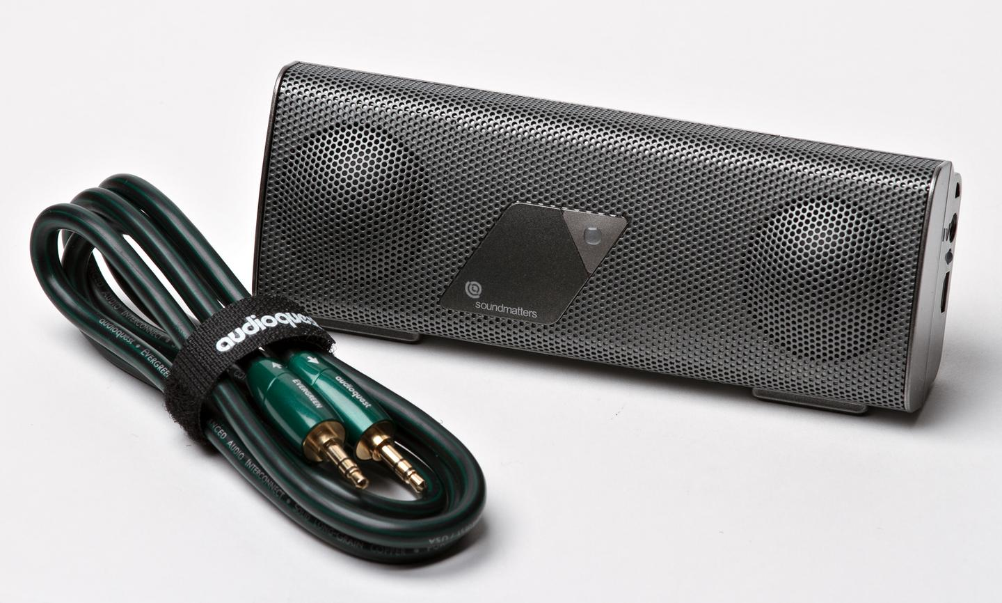 Soundmatters' foxLv2 PLATINUM speaker comes with an Evergreen audio cable from Audioquest