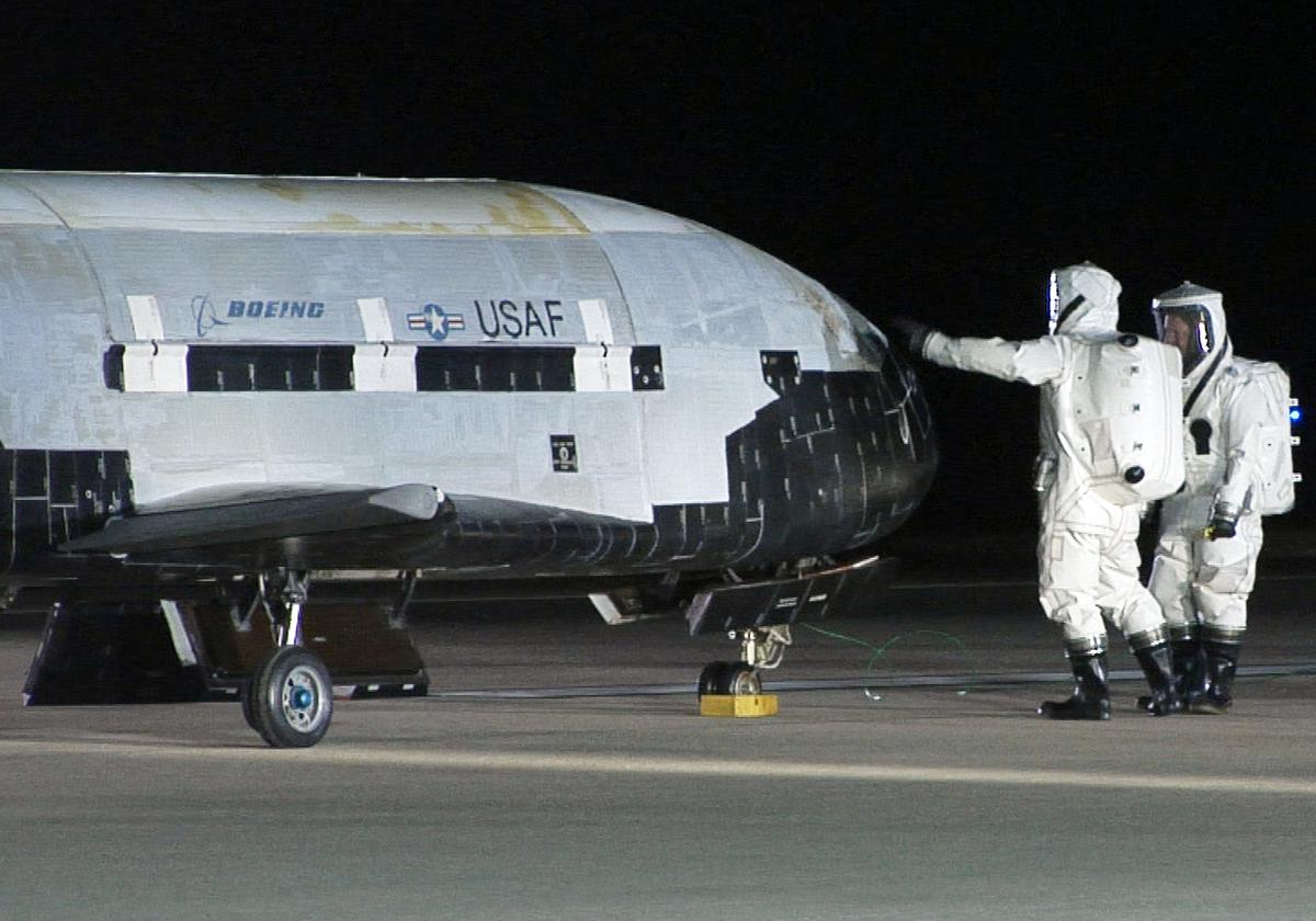Until recently, payloads of the X-37B have been strictly classified (Photo: US Air Force)