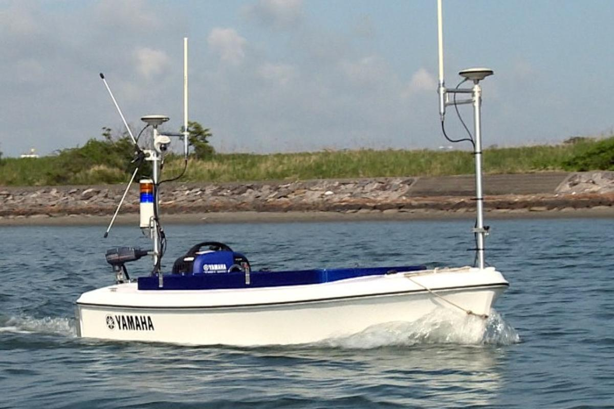 Yamaha's Breeze10 boat can autonomously survey dam and lake beds