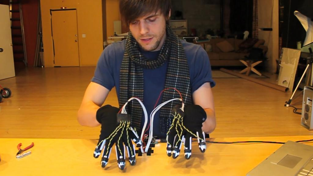 Scott Garner and his Piano Gloves prototype