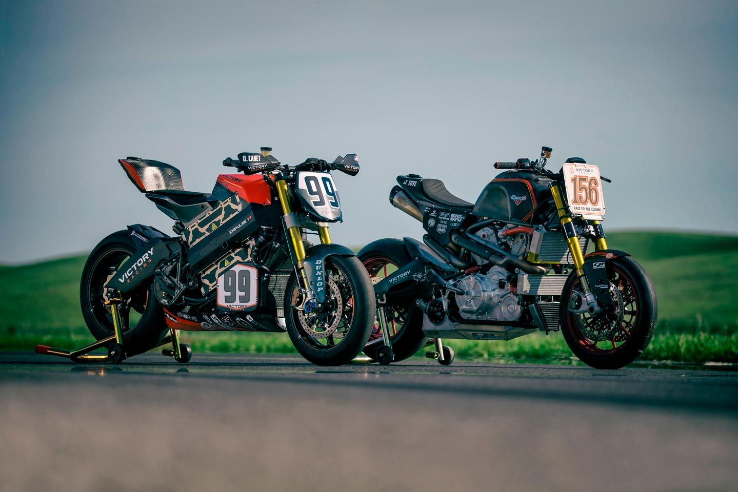 The Empulse RR(#99)and the Project 156 (#156)powered Victory Motorcycles'double assault at the 2016 Pikes Peak International Hill Climb