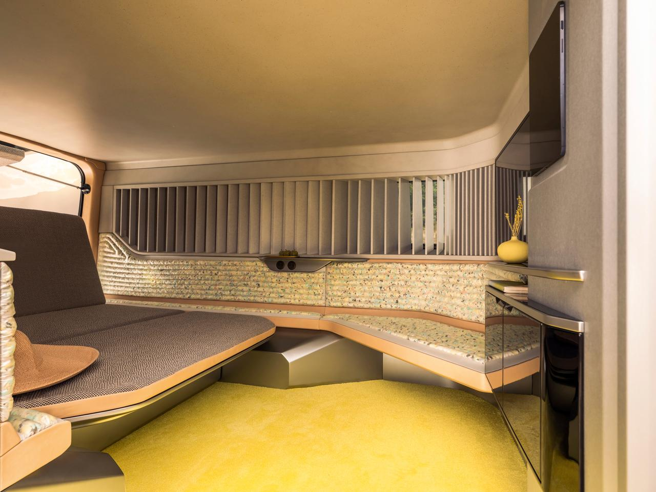 With its walled off camper cabin, the Hippie Caviar Hotel feels like it could be a chauffeured vehicle, living up to its five-star billing, but we're not sure it has rear drive seats