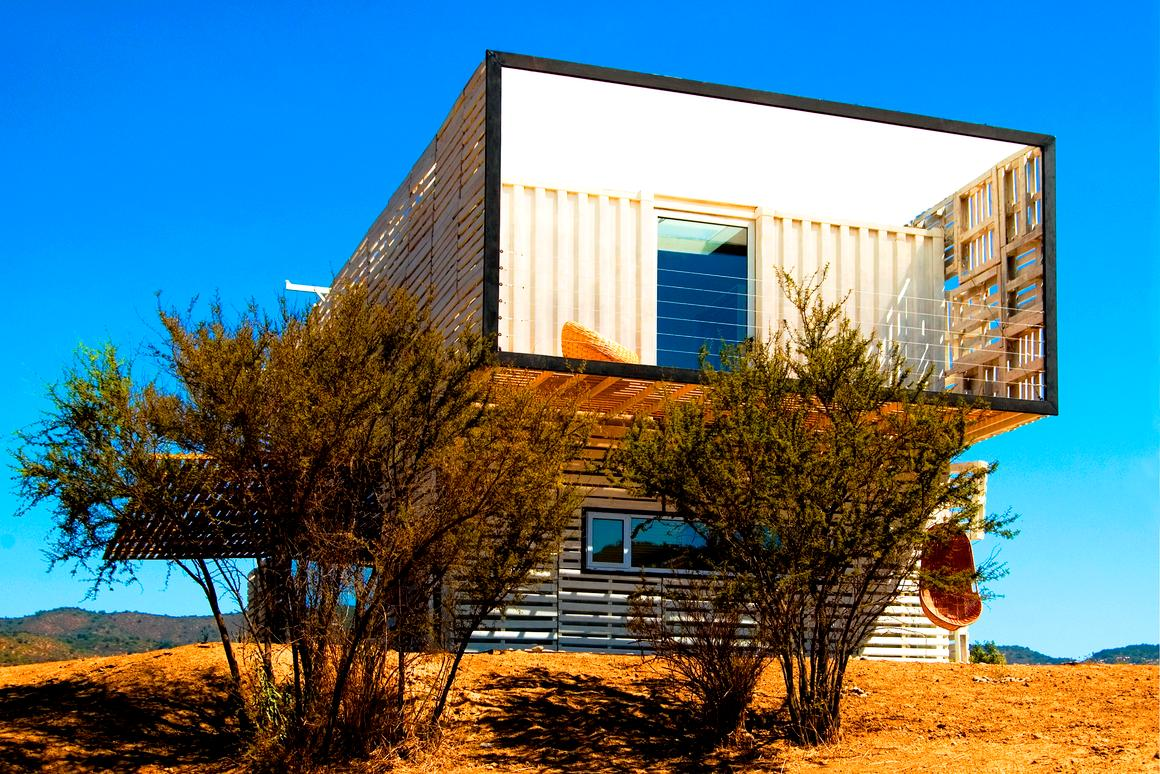 Infiniski's sustainable house designs are up to 80-percent comprised of reused, recycled and non-polluting materials like shipping containers, railway tracks, forklift paletts and even old bottles