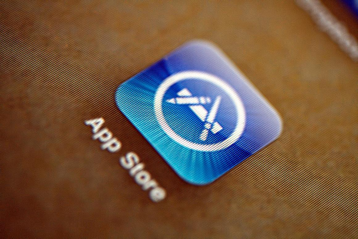 After discovering and reporting an iOS vulnerability, security researcher Charlie Miller's Developer Program License Agreement was terminated by Apple (Photo: Glen Bledsoe)