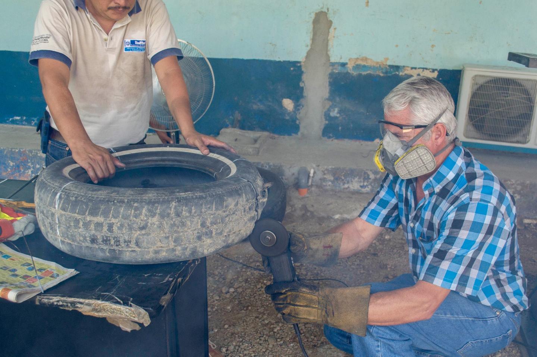 Building an ovillanta trap in Guatemala