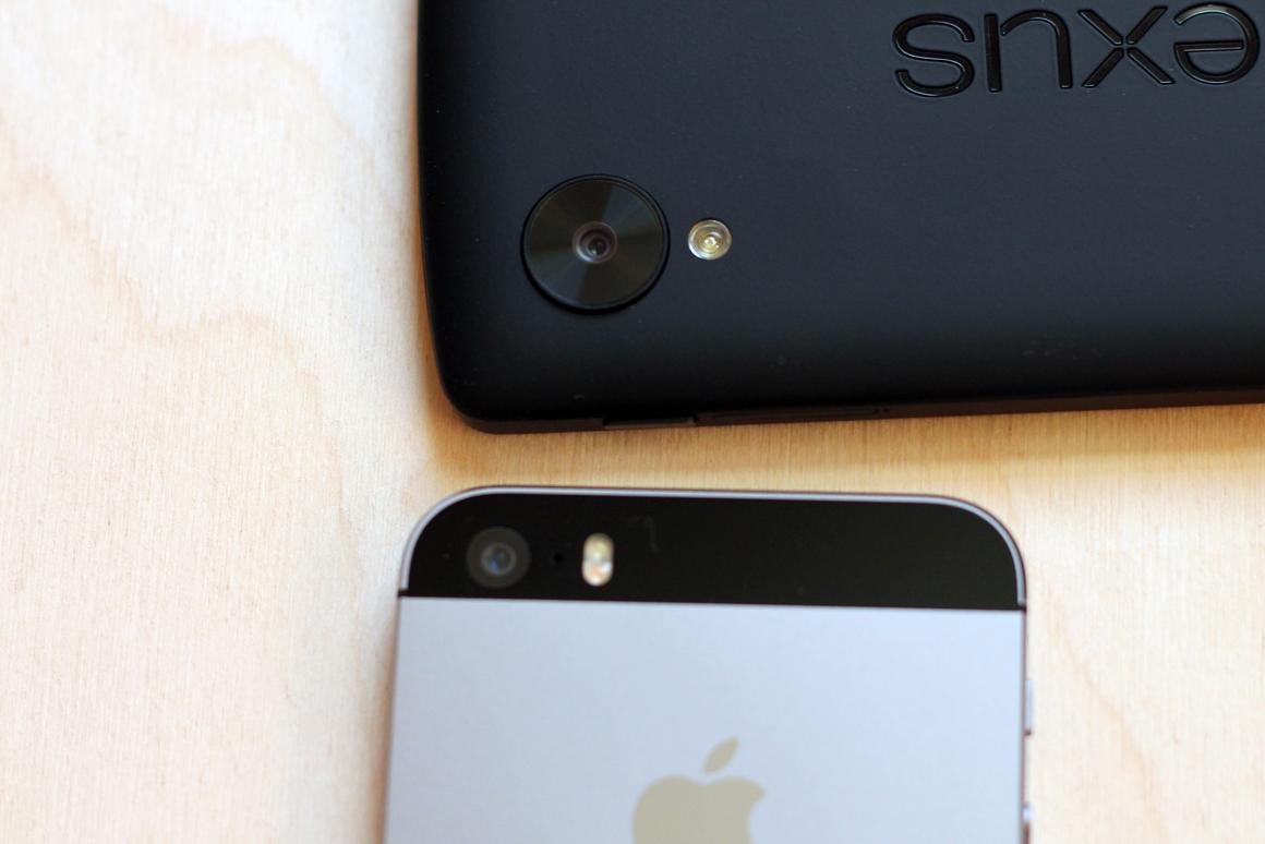 Under the microscope: Nexus 5 vs  iPhone 5s