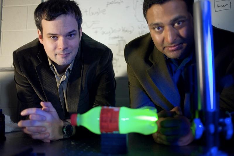 Media Lab postdoctoral associate Andreas Velten, left, and Associate Professor Ramesh Raskar (Photo: MIT)