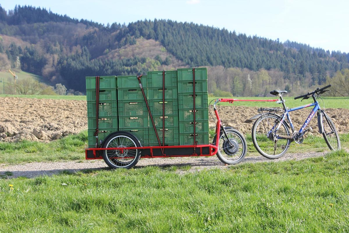 The Carla Cargo trailer is designed to carry standard European crates