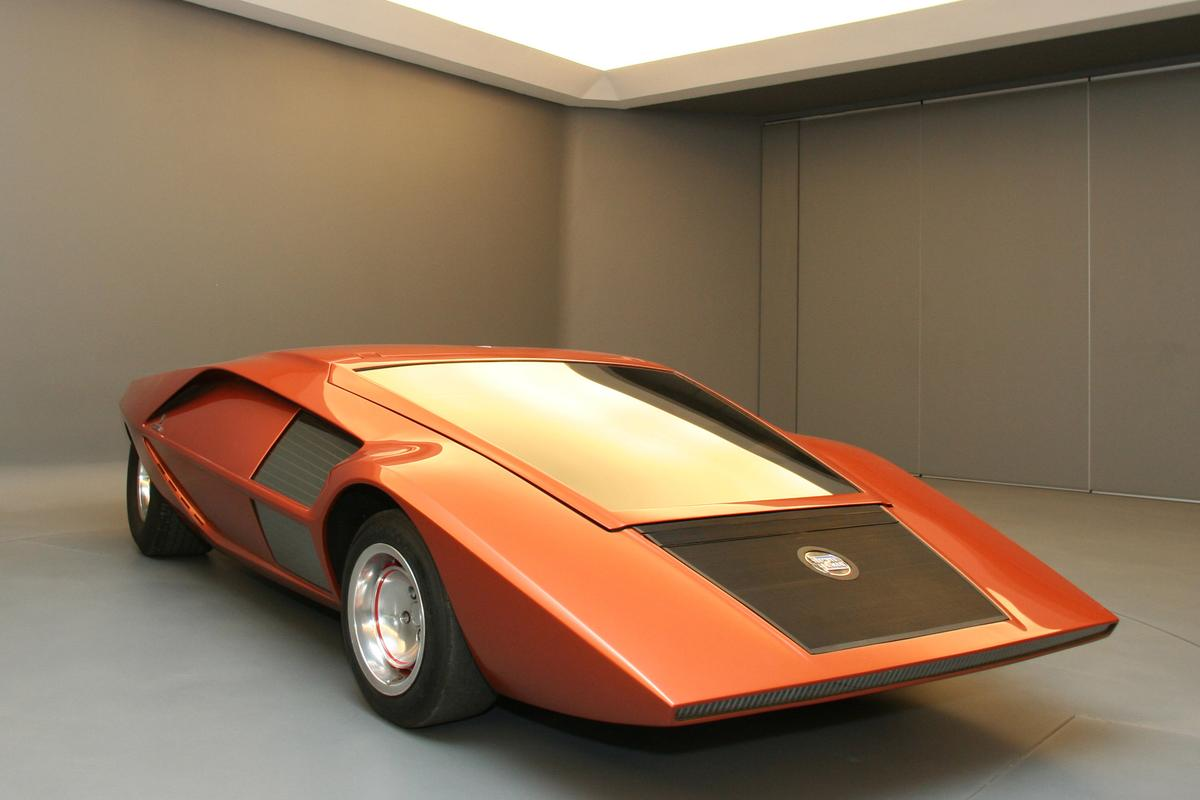 The Bertone Stratos HF Zero concept debuted at the 1970 Turin Motor Show