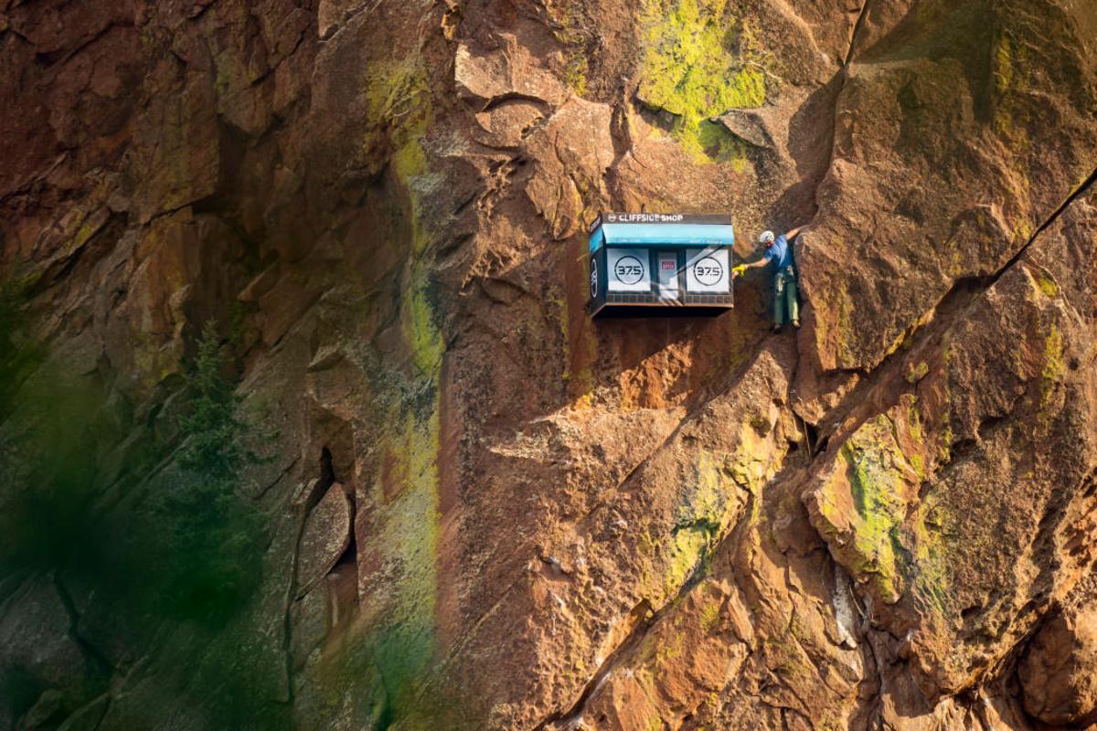 37.5 Cliffside Shop
