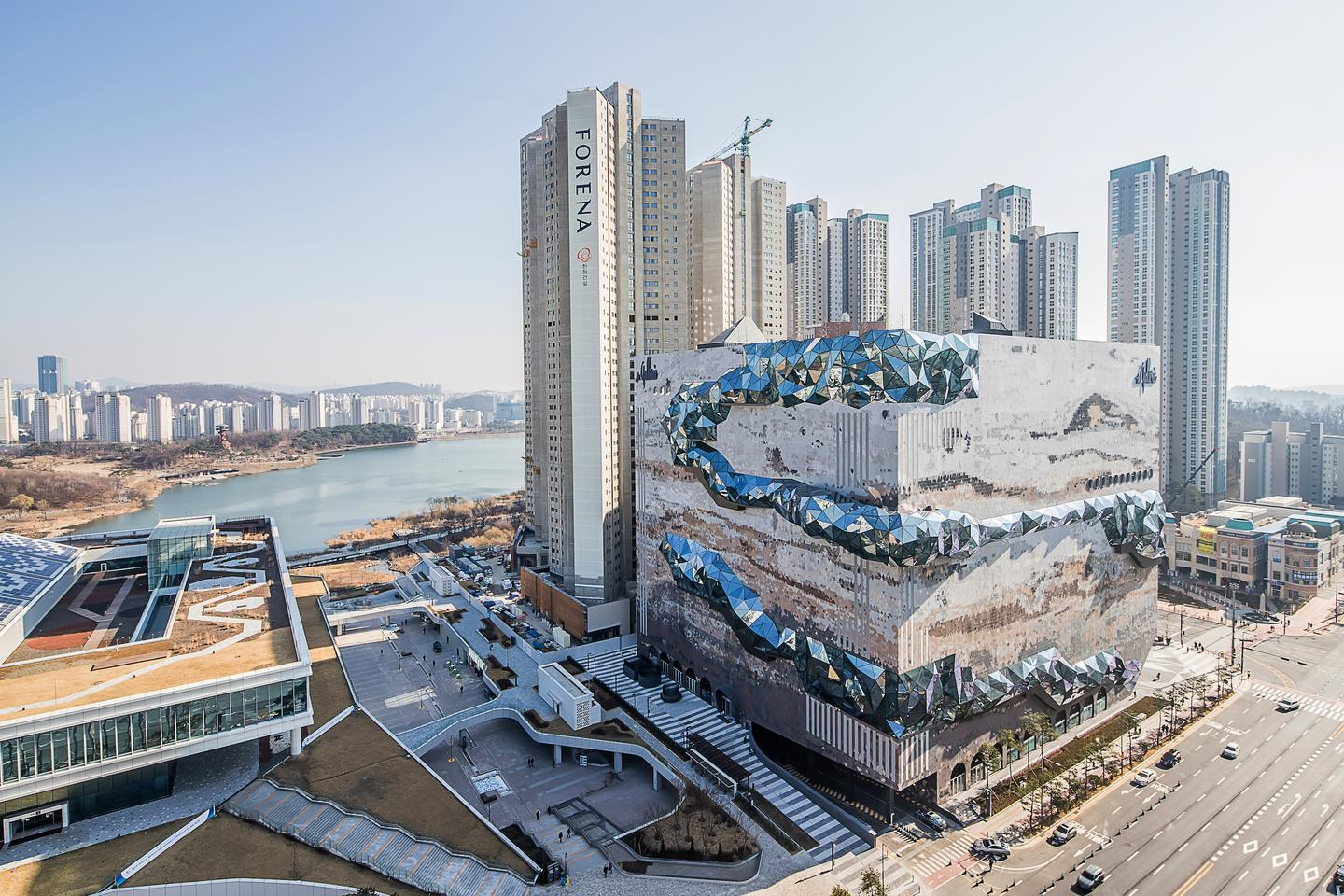Galleria in Gwanggyo is located in Gwanggyo, south of South Korea's capital Seoul, in a burgeoning district dominated by residential towers