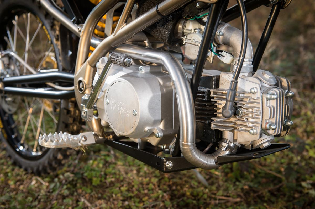 Power is provided by a 4-stroke, single-cylinder, 125cc YX or Daytona-Japan engine, although upgrades up to 190cc are possible