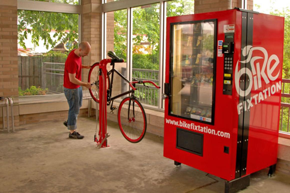 A new extended-hours, self-service bike kiosk has just been installed in the Uptown Transit Station above the heavily-used Midtown Greenway bicycle route in Minneapolis