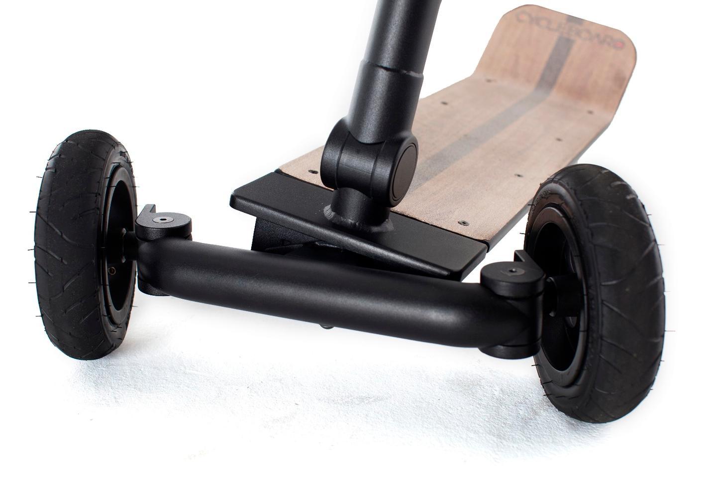 CycleBoard's lightweight, aircraft-grade aluminum frame supports a tilt-to-steer system