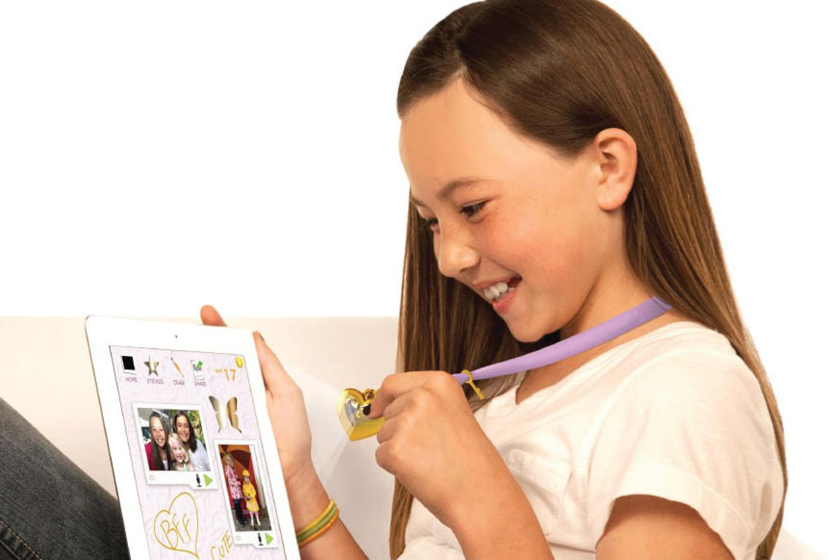 iHeart Locket is an iPad based diary for children which can be locked using an accompanying smart necklace pendant