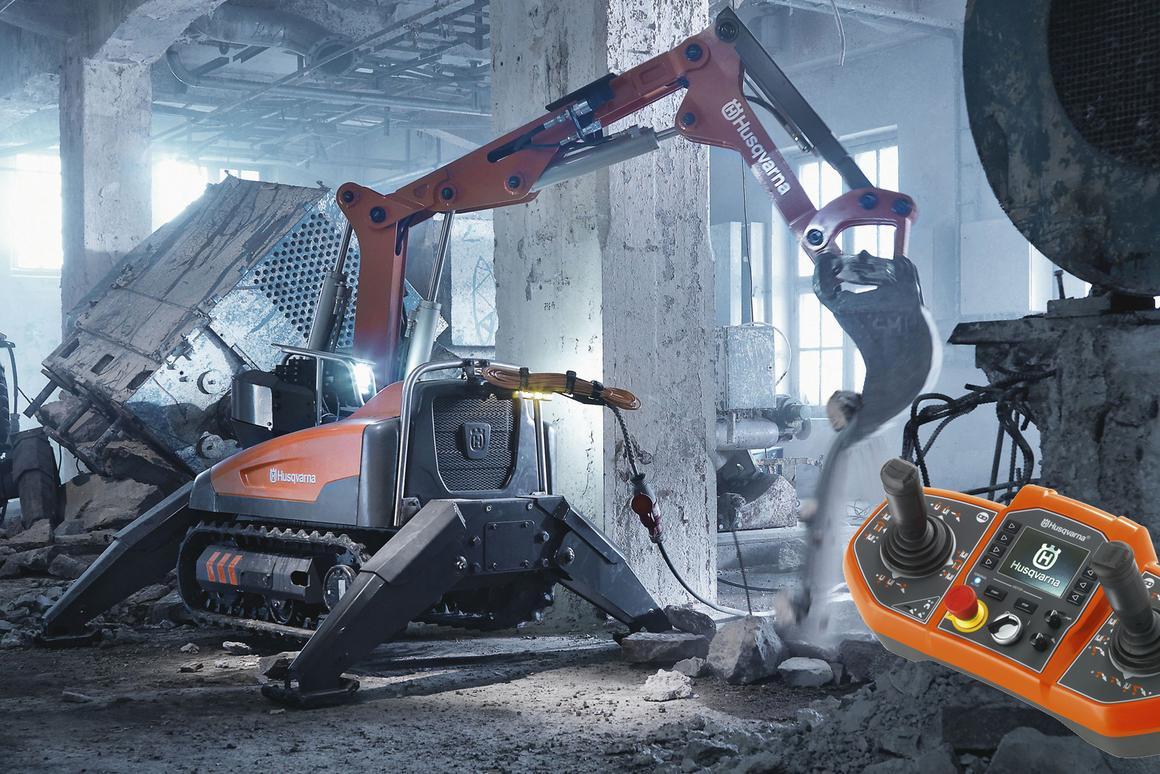 The Husqvarna DXR 140 demolition robot and its Bluetooth remote control