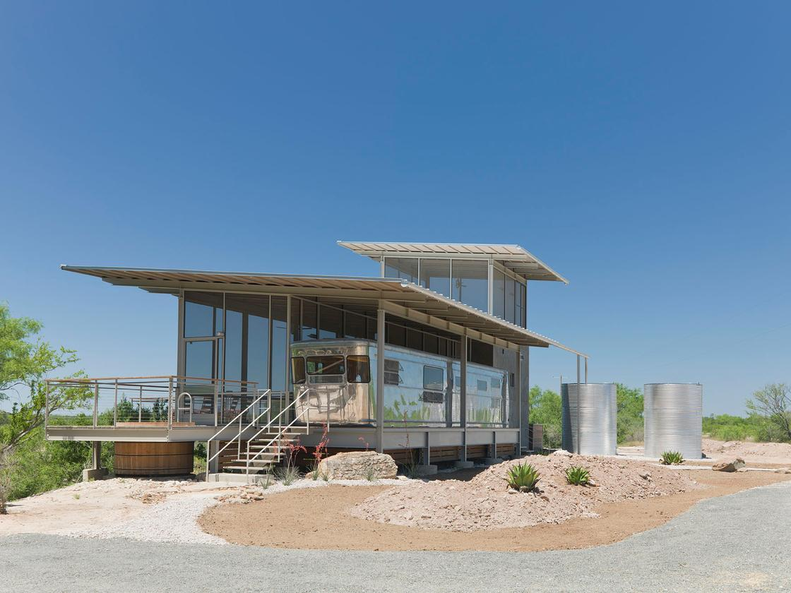 The trailer is located on a favored spot within the client's own South Texas ranch (Photo: Paul Bardigjy)