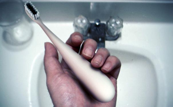 The Dews Toothbrush