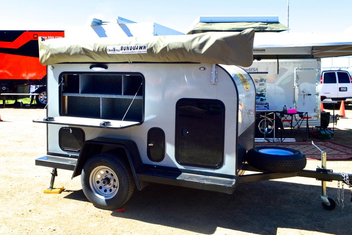 The BundutecUSA Trekken, a super-simple, lightweight semi-teardrop-style expedition trailer, was one of the creations on display at Overland Expo 2016