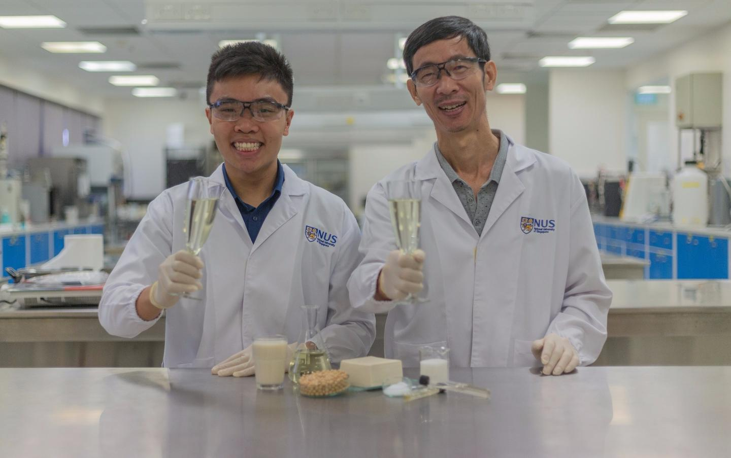Associate Professor Liu Shao Quan (right) and PhD student Mr. Chua Jian Yong (left) with glasses of Sachi