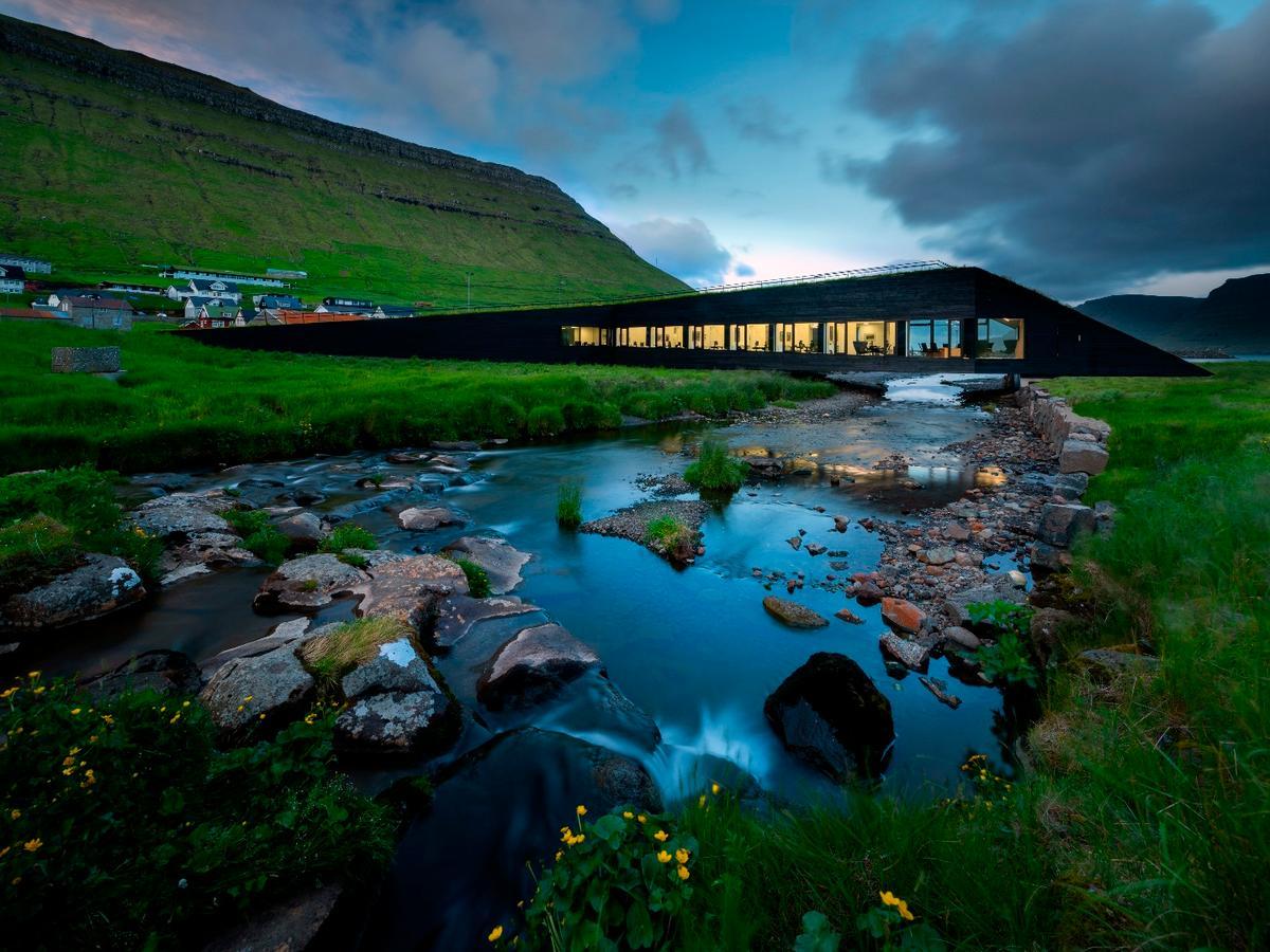 The Eysturkommuna Town Hall is a new 700 sq m facility for the village ofNorðragøta