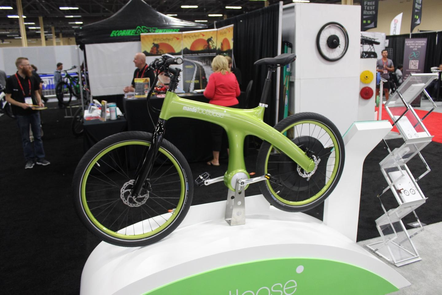 An advance model of Mando's more road-worthy version of the Footloose, on display in Las Vegas at Interbike 2015