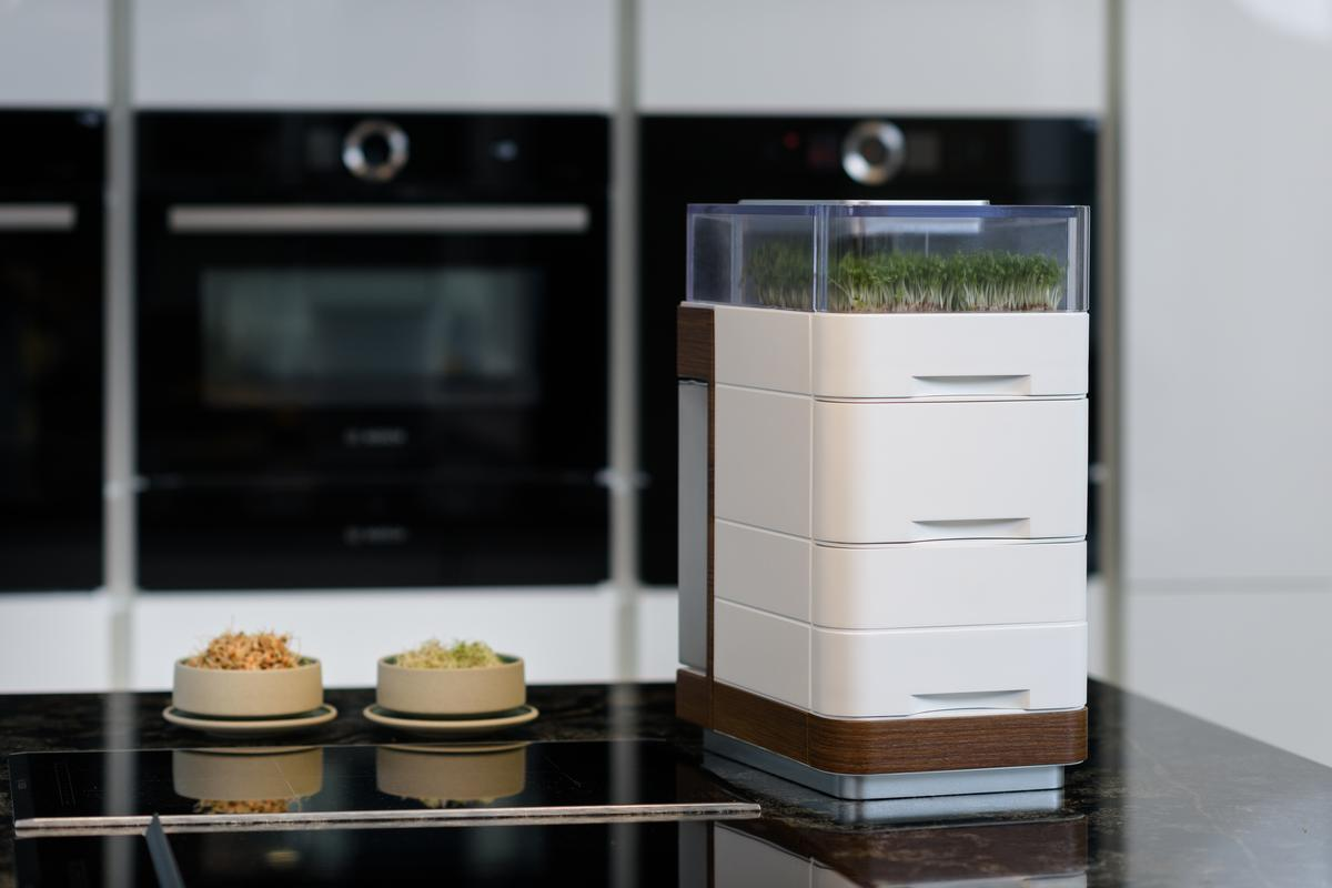 The Cell One puts an indoor garden on your kitchen countertop