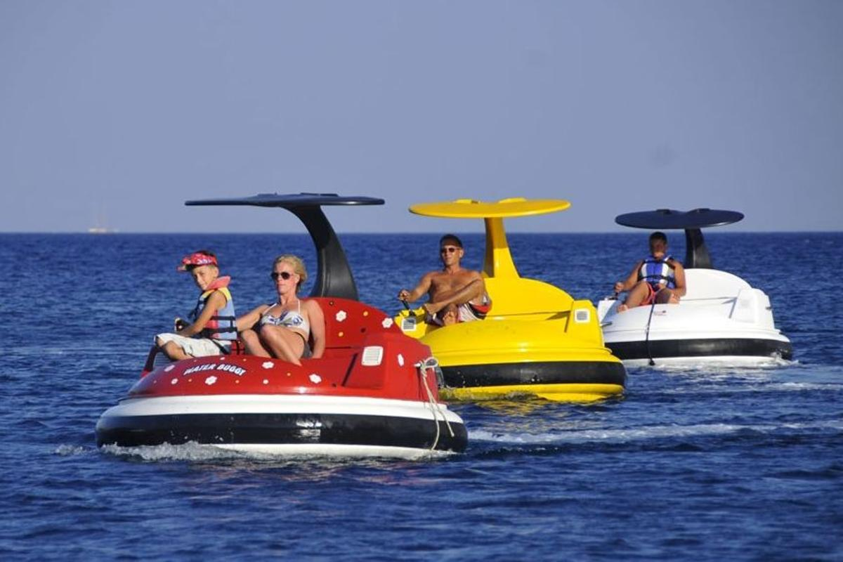 Designed by Bodrum Marine Group, the Waterbuggy is equipped with a 10HP engine and offers a maximum speed of 8-10 km/h (5-6 mph)