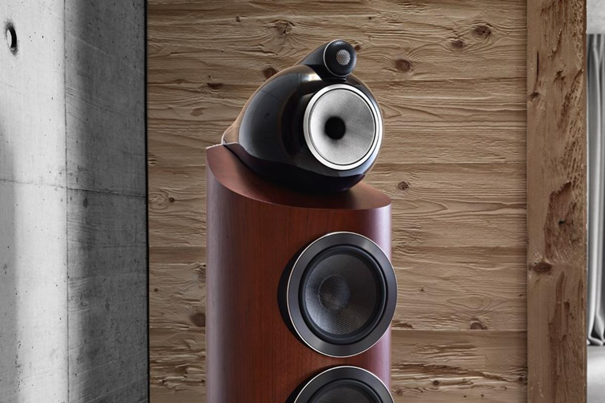 The new D3 Series comprises four floor-standing speaker models, a stand-mount speaker and two home theater center-channel units