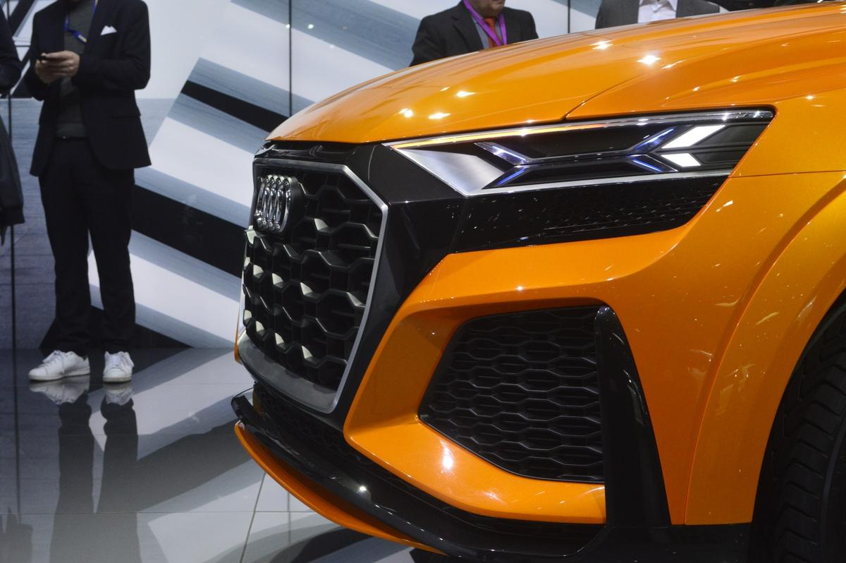 LED headlamps peer out from the Audi Q8 sport concept