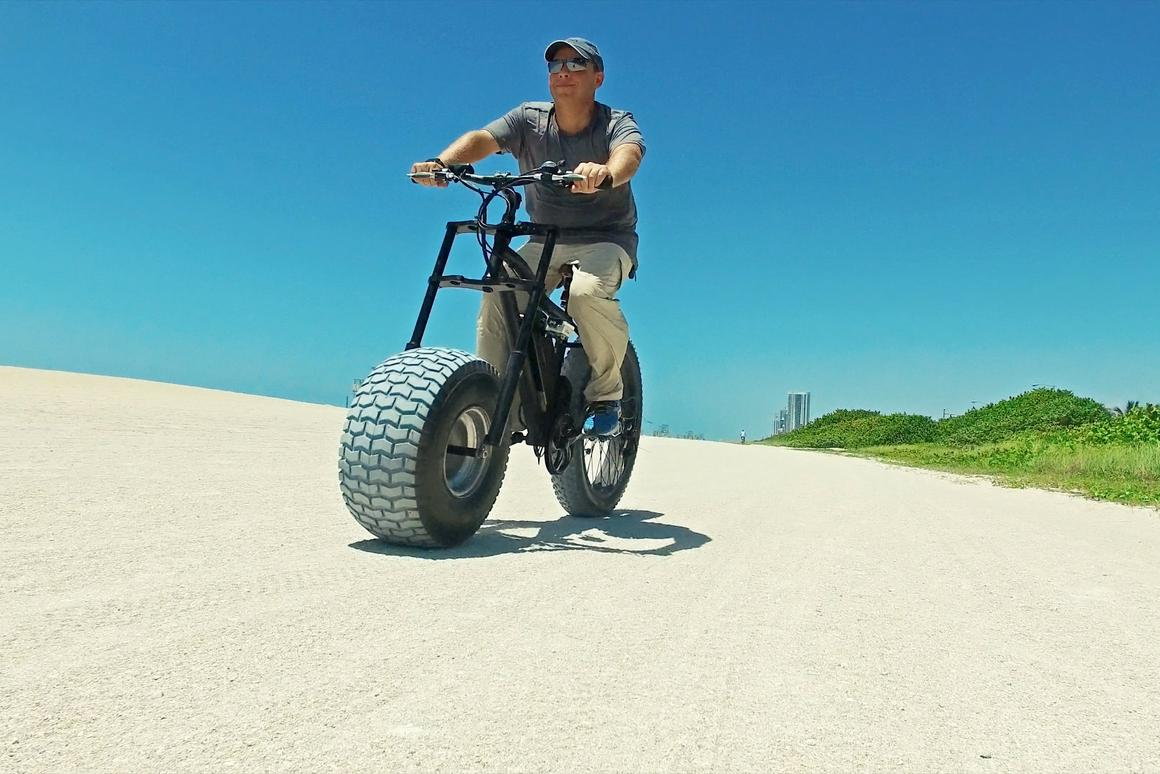 The Xterrain500 can be equipped with a 10-inch-wide front tire – when wanted