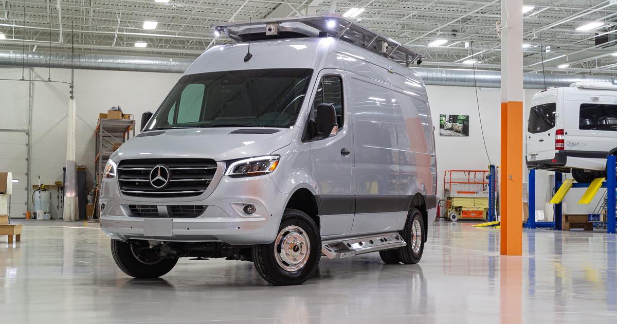 """Advanced off-grid camper van gives nomads a stealthy """"Last Resort"""""""