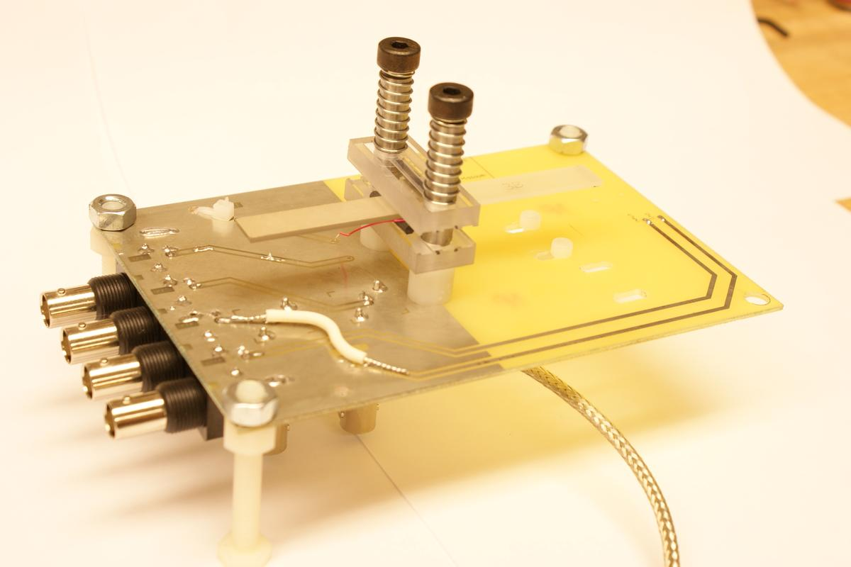 The compact radiation source developed by Kovaleski's team at the University of Missouri (Photo: Peter Norgard, University of Missouri)