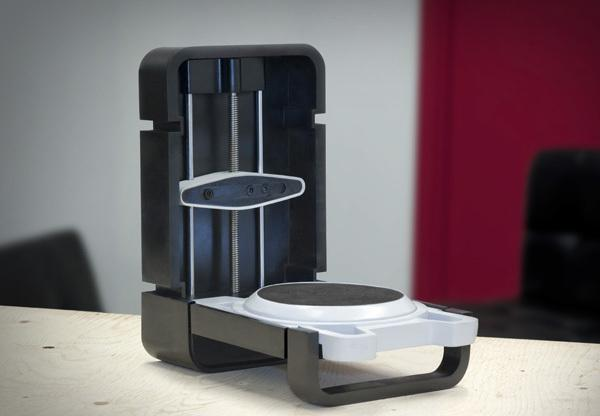 Matterform's Photon 3D scanner uses a hi-def camera and lasers to digitize objects