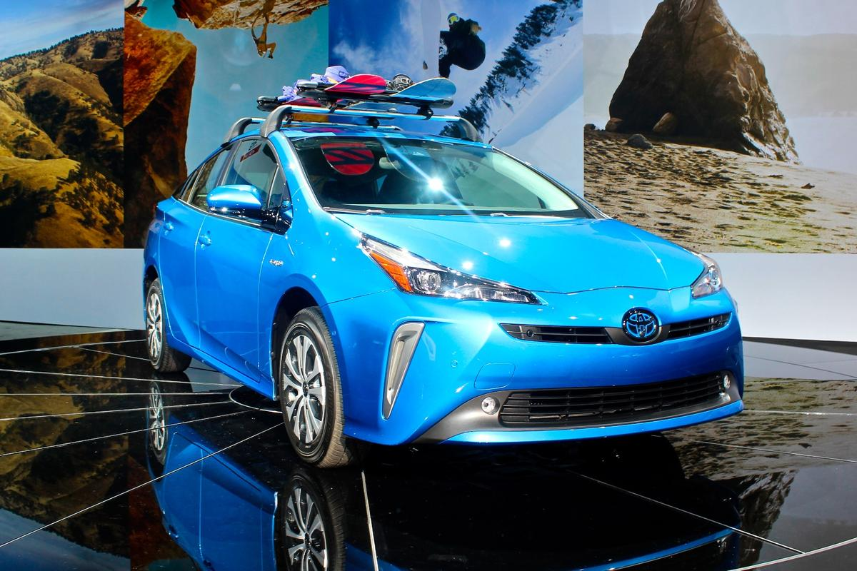 Toyota debuts the Prius AWD-e at the 2018 LA Auto Show