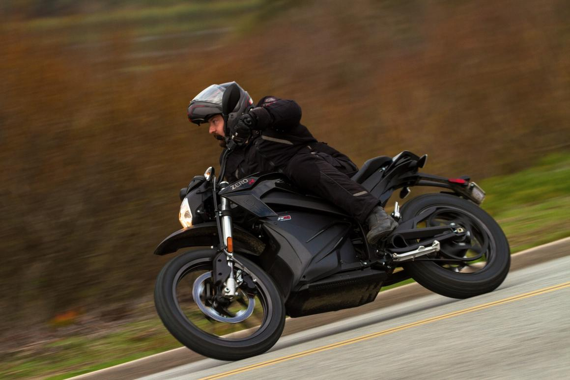 Zero Motorcycles 2016 DSR: range is further increased thanks to a new Z-Force motor that creates less heat and delivers higher efficiency