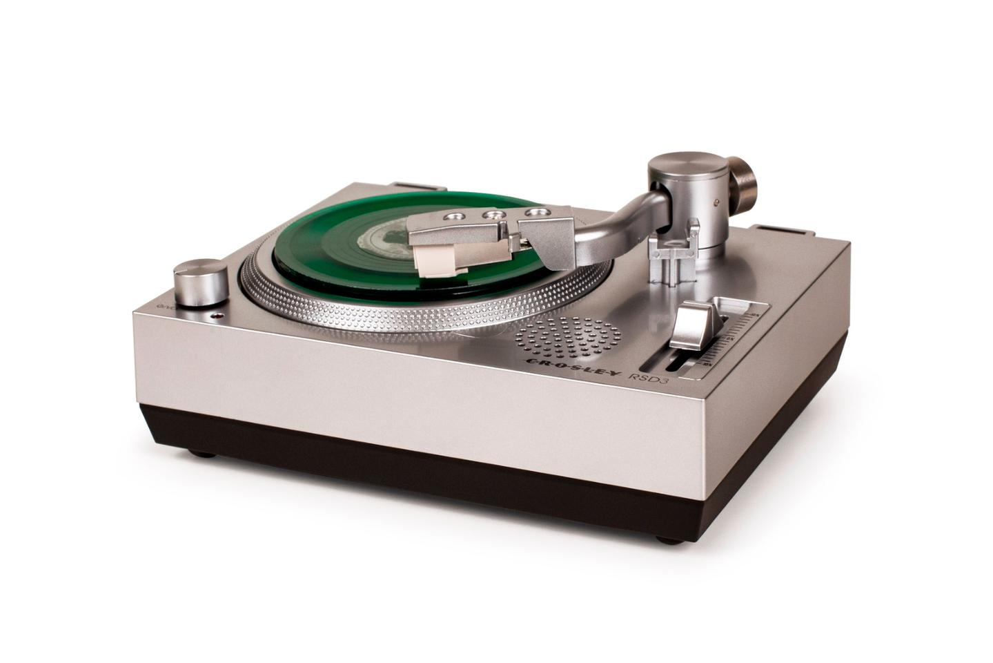 The RSD3 has the look of a Technics SL-1200, in miniature form