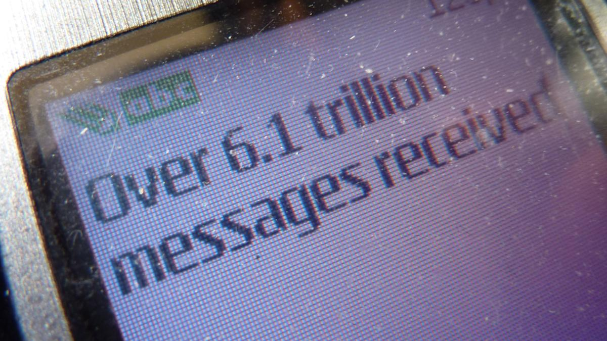 5.3 billion mobile subscribers sent 6.1 trillion text messages in 2010